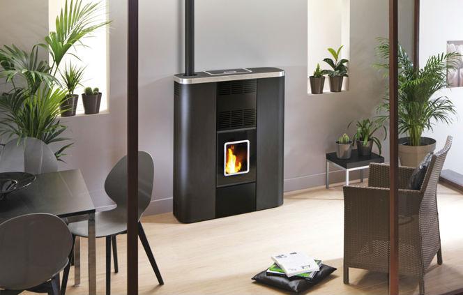 rika barentin fabulous pose duun pole pellets mcz dans le cadre duune rnovation thermique with. Black Bedroom Furniture Sets. Home Design Ideas